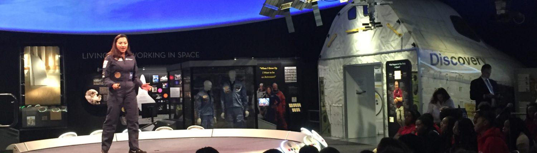 Shaesta Waiz speaks to a middle school girls at the Smithsonian.